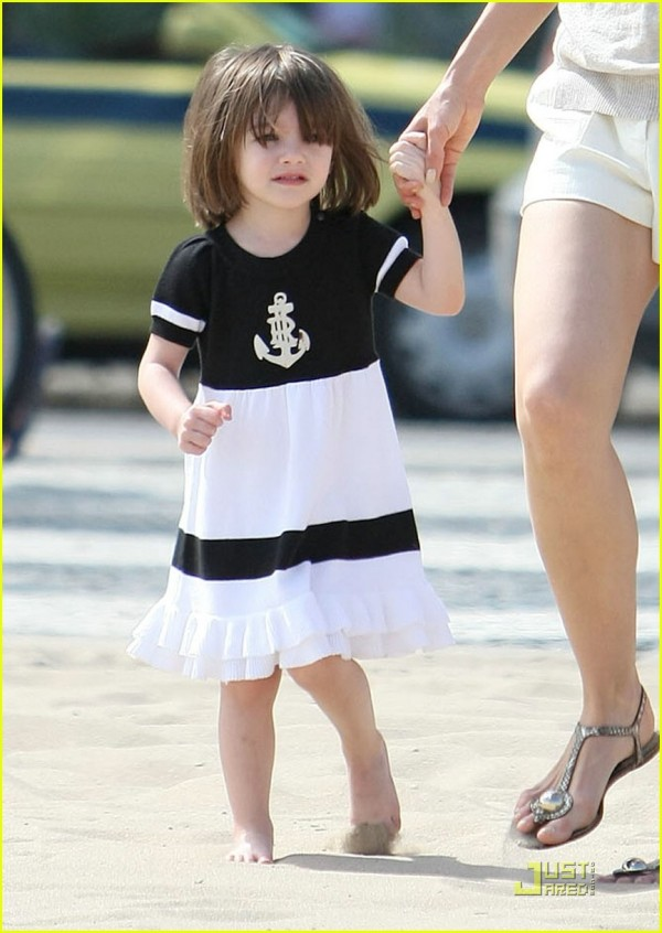 suri-cruise-anchor-dress-10